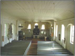 Blick in den Kirchraum