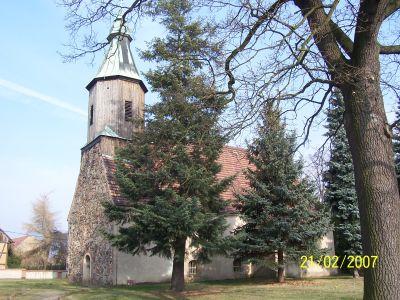 Spätmittelalterliche Feldsteinkirche Pitschen-Pickel aus dem 15.Jh., die nach einem Kirchenbrand 1675 im barocken Stil umgebaut und ausgestattet wurde.