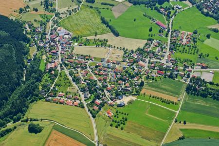 Luftbildaufnahme Großschönach