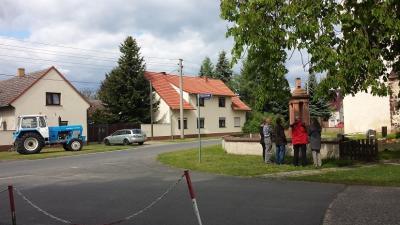 Dorfbesichtigung mit Rbb-Team