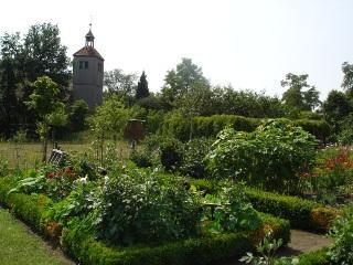 Blick auf evangelische Kirche in Kleinrössen