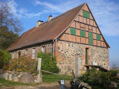 Altes Gutshaus Carolinenthal