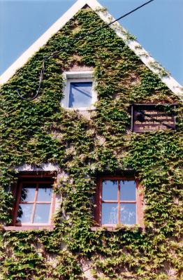 Haus mit Kanonenkugel, Meißner Straße