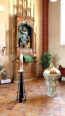 St. Quirinuskirche Bengel Taufbecken ©SonjaMüller