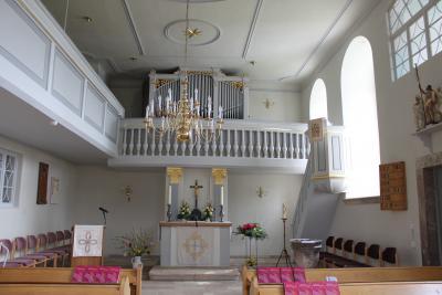 Innenansicht der Brünloser Kirche