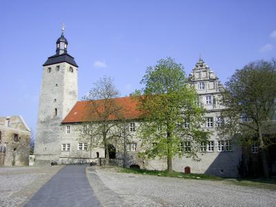 Westansicht der 800jährigen Burganlage
