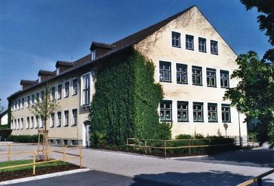 Grundschulgebäude I