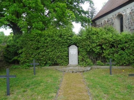 Deutsche Kriegsgräberstätte Petershagen Foto: Info Punkt Lebus
