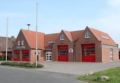 Das neue Feuerwehrgerätehaus in Dägeling (fertiggestellt im Jahre 1999)