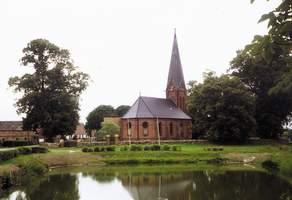 Kirche am Dorfteich