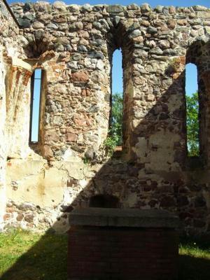 Altarraum der Kirche