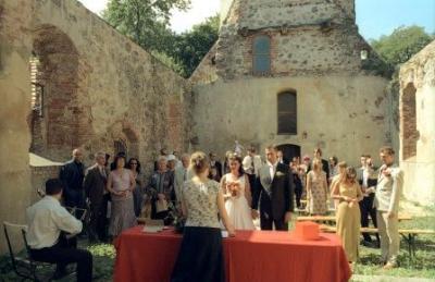 Hochzeit im August 2006 in der Ruine der Patronatskirche