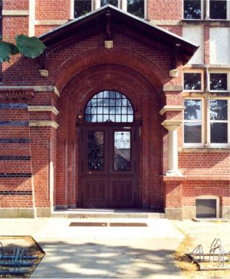 Bismarck-Gymnasium, Eingang Haus 3
