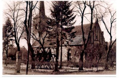 Kirche Hdf bis 1965-66 Glocken aussen