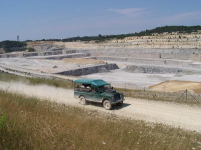 Land Rover Tour entlang am aktiven Tagebau