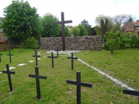 Kriegsgräberstätte Mallnow  Foto: Info Punkt Lebus