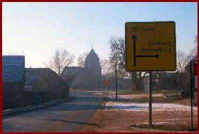 Dorfkirche an der B109