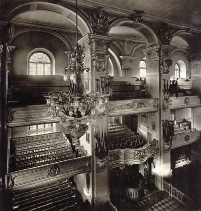 Das Innere der Garnisonkirche nach dem neubarocken Umbau 1898/99 mit wilhelminischem Prunk, Foto 1911