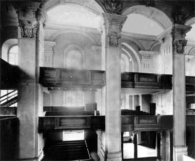 Das Innere der Garnisonkirche in der schlichten Form von 1732 - so könnte es wieder hergestellt werden, Foto 1898