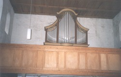 Empore mit Orgel