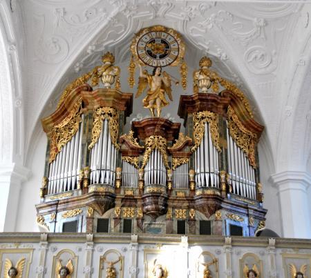 Die neue Orgel im restauriertem historischen Orgelprospekt