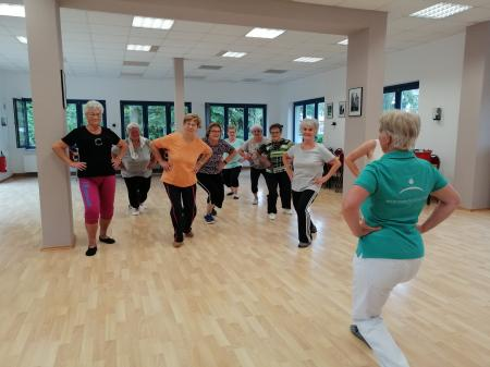 Osteoporosegruppe bei der Übung