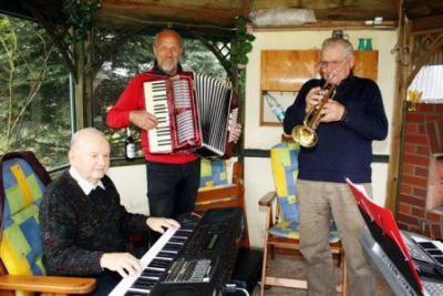 Das Raduhner Trio - der ganze Stolz des Seniorenklubs