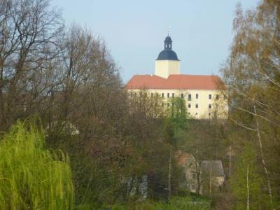 Blick zum Schloß Hirschstein