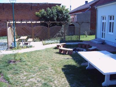Sitzecke, Lagerfeuerplatz, Tischtennisplatte in Krempendorf