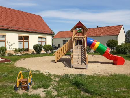 Foto: Spielplatz am Dorfplatz Kagel (Gemeinde Grünheide (Mark))
