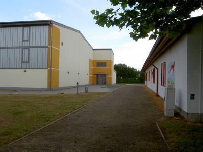 Eingangsbereich Sporthalle / Umkleide Sportplatz