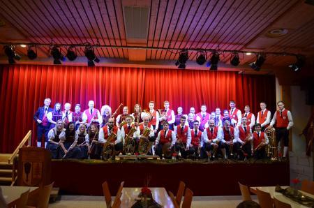 Alle aktiven Mitglieder der Trachtenkapelle Altenschwand