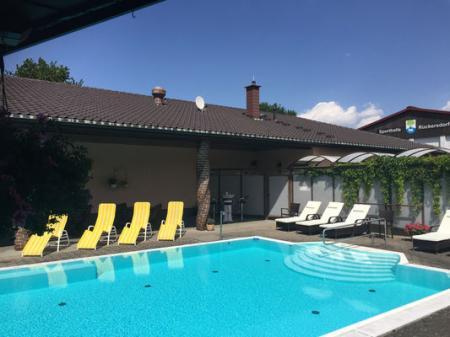 Wellmedis Sauna- und Poolbereich