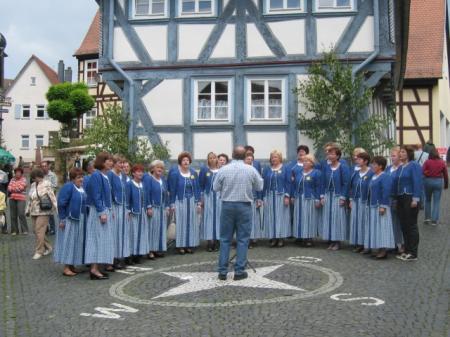 Landfrauen Usenborn bei Altstadt Pur 2004