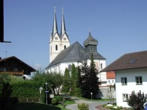 Ansicht der Basilika von Südosten