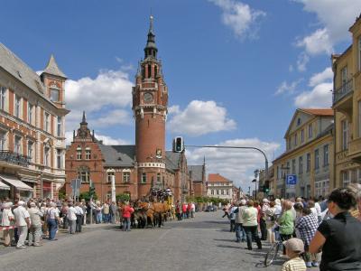 Hauptstraße mit Rathaus im Ortsteil Dahme/Mark