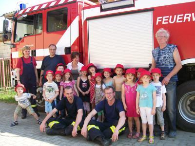 Kinder zu Gast bei der Feuerwehr Fredersdorf Nord