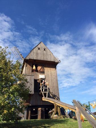 Foto: Unübertroffen malerisch. Außenansicht der Mühle an der Landesstraße Vehlefanz-Schwante
