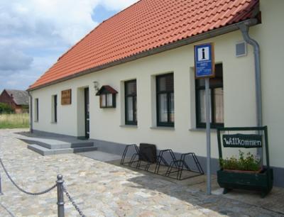 Dorfgemeinschaftshaus Sandhof / 19399 Neu Poserin OT Sandhof, Waldstr. 38