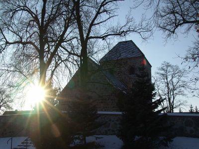 Blick auf die Dorfkirche