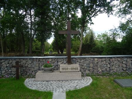 Deutsche Kriegsgräberstätte in Reitwein Foto: Info Punkt Lebus