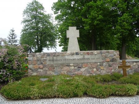 Deutsche Kriegsgräberstätte in Lebus  Foto: Info Punkt Lebus