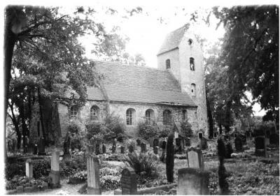 Die Dorfkirche um 1960