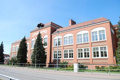 Gymnasium Haus 2