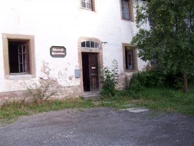 Eingang Heimatstube, Schloßstraße 15 (neben der Johanniterburg)
