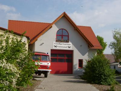 Feuerwehrhaus Frömmstedt erbaut 1998