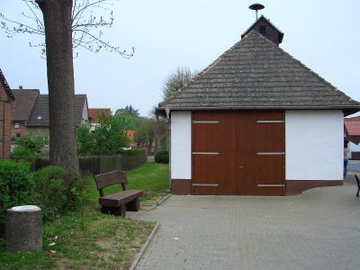 Feuerwehrgerätehaus Dorfplatz