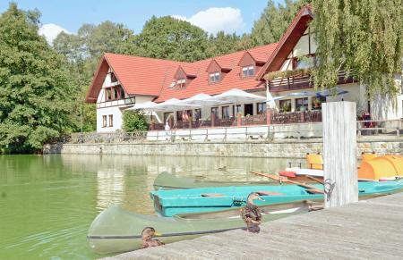 Blick zur Gaststätte am Stausee Foto: Uwe Schwarz