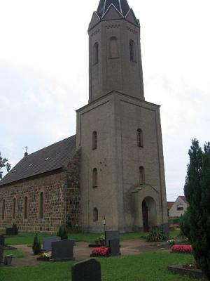 Kirche im Ortsteil Dubro