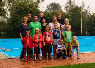 4 junge Familien mit einem Ziel - Erhalt des Nienburger Schwimmbades (Fam. Schwarze, Fam. Häntsch, Fam. Letz, Fam. Gerstner)